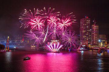 Feu d'artifice Journées mondiales Port 2016 à Rotterdam sur MS Fotografie | Marc van der Stelt