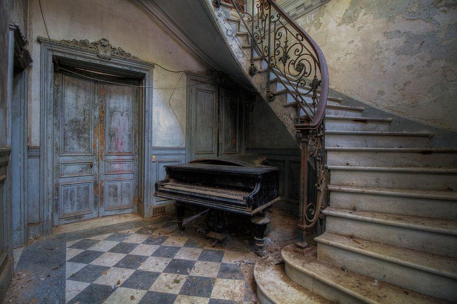 De piano en de trap van truus nijland - Schilderij trap ...