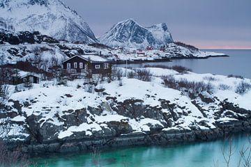 Hutjes in Hamn op het eiland Senja van Dennis Wierenga