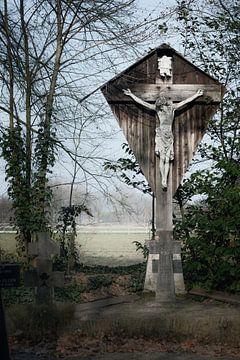 Landschap met crucifix. van Raoul Suermondt