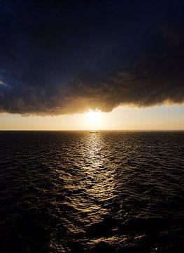 Zomerstorm Op Zee van Bart Korver