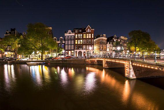 Prachtige panden aan de Singel gracht in Amsterdam