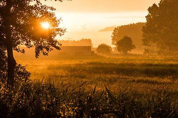 Regenachtige zonsondergang sur Thomas van der Willik
