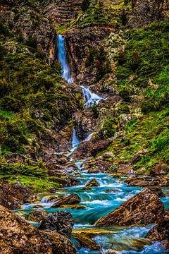 Magische watervallen in de Pyreneeën! van Erwin Martin