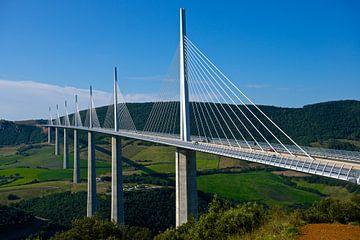 Brücke bei Millau, Frankreich von Bert Bouwmeester