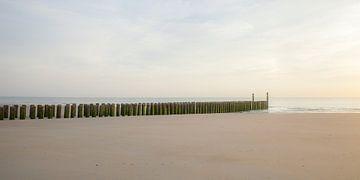 Zeeland strand golfbrekers 7 van John Ouwens
