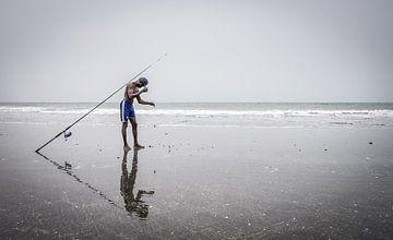 Gambischer Fischer von Roel Beurskens