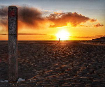 Schöner Sonnenuntergang auf Texel von Inge Kampen