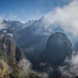 Machu Picchu in de morgen van Eddie Meijer