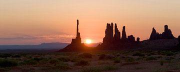 sunrise monument valley sur MadebyGreet greetvanbreugel