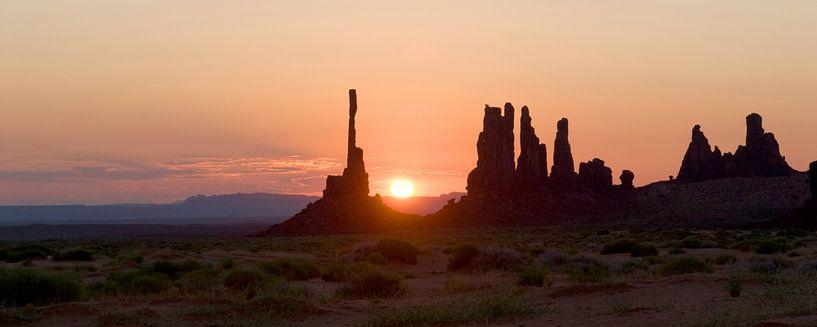 sunrise monument valley van MadebyGreet greetvanbreugel