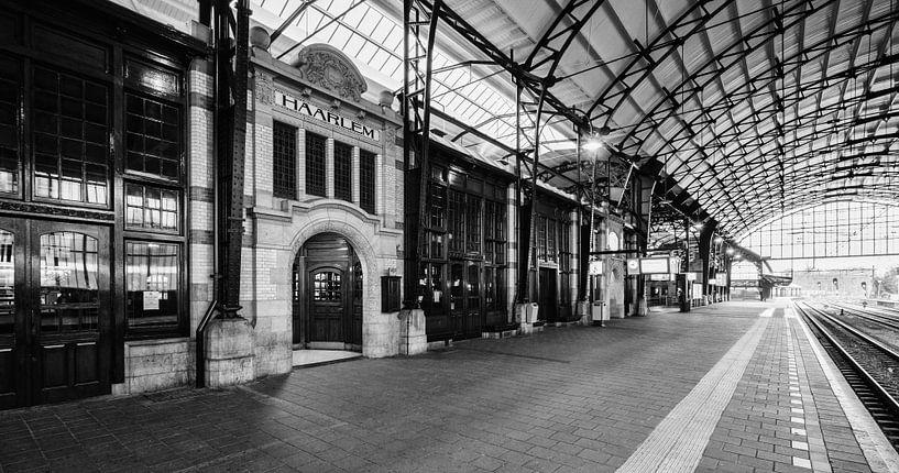 Haarlem: Station perron 3 van Olaf Kramer