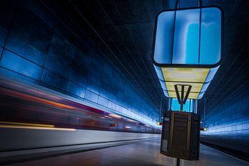 Die moderne U Bahn Station Hafen City in Hamburg von Annette Hanl