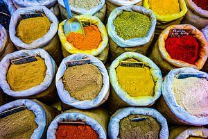 kleurrijke kruiden van