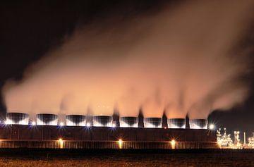 Chemische industrie 's nachts van Steven Van Aerschot