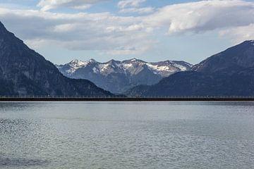 Eine Landschaft bei Staubecken Latschau von Joy Mennings