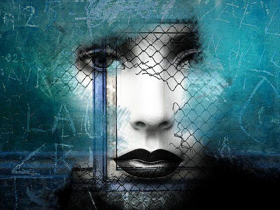 Black lips behind the fence van Gabi Hampe