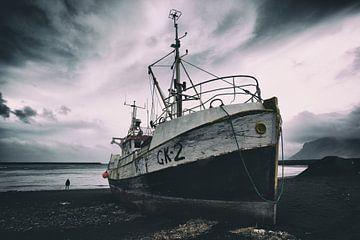 Vervallen boot van Jip van Bodegom