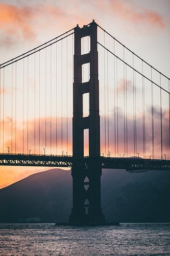Golden Gate Bridge bij zonsondergang van Niels Keekstra