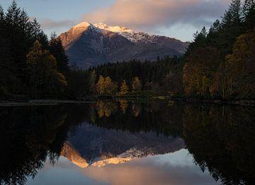 Lochan Glencoe aux reflets parfaits sur Jos Pannekoek