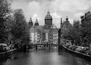 Oude Zijds Achterburgwal, Amsterdam van Harry van Rhoon