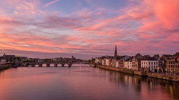 Zonsondergang Maastricht van Bert Beckers