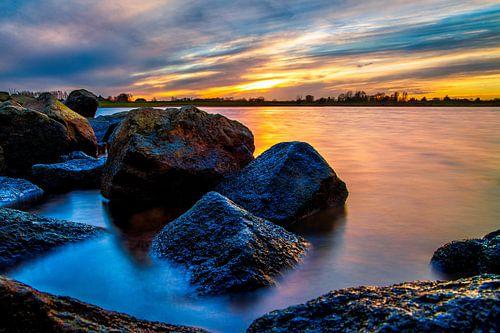 Sunset at the Rhine. von Joram Janssen