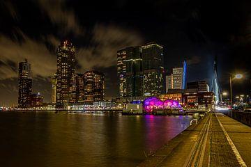 Skyline Rotterdam bei Nacht von Eddie Visser