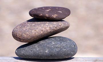 Drie stenen van Kirsten Warner