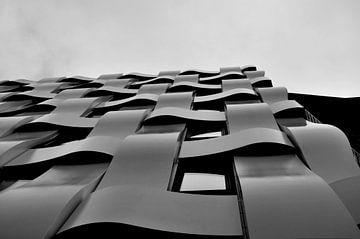 Curves / Rotterdam von Sabrina Varao Carreiro
