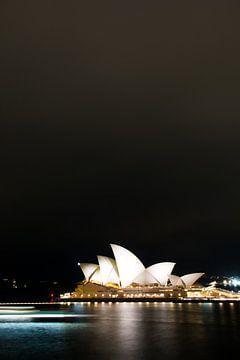 Sydney Opera House by night van Cathy Janssens