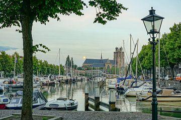 Dordrecht aan de Nieuwe Haven van Dirk van Egmond