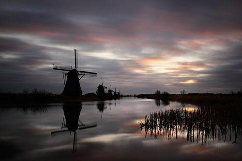 Een vroege ochtend in Kinderdijk van Mark Leeman