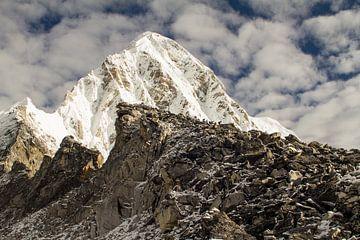 Mt. Pumori im Everest Base Camp, Nepal von Tom Timmerman