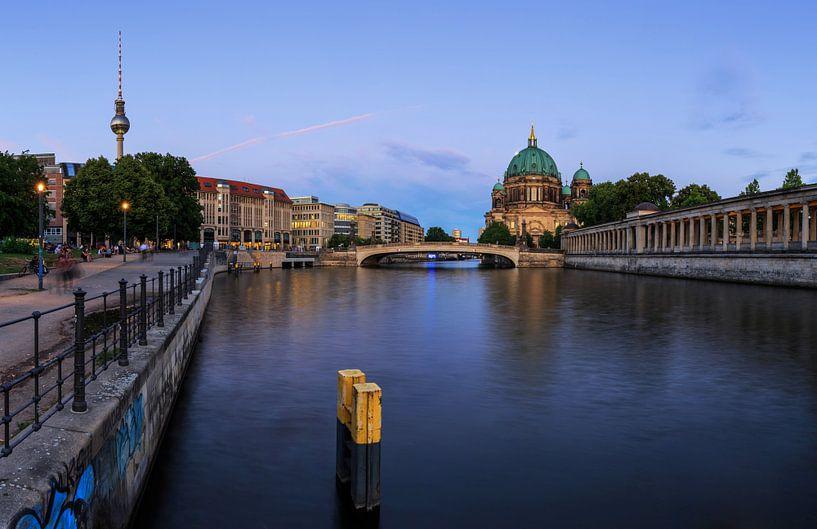 Berlijnse skyline aan de Spree van Frank Herrmann