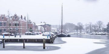 Het haventje van Woerden in de sneeuw.