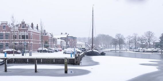Der Hafen von Woerden im Schnee.