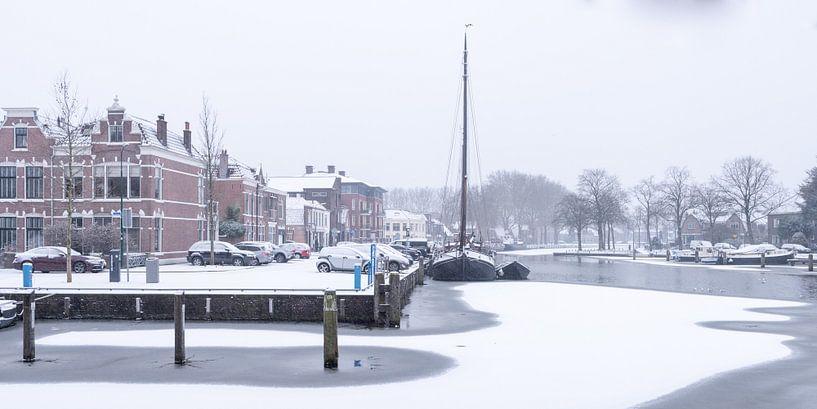 Der Hafen von Woerden im Schnee. von John Verbruggen