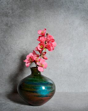 Frühling in einer Vase von Corinne Welp