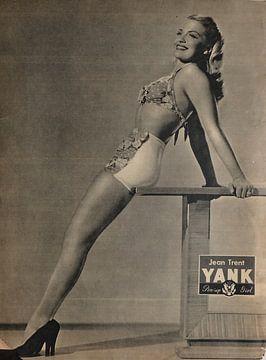 YANK pinup: Jean Trent met trendy, fashionable zwembroek en bovenstuk en hoge hakken in Maart 1945 van Atelier Liesjes