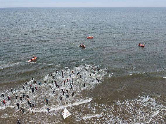 Triathlon in Zandvoort van Marco Bakker