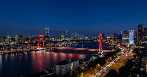 Rotterdam city lights van Midi010 Fotografie