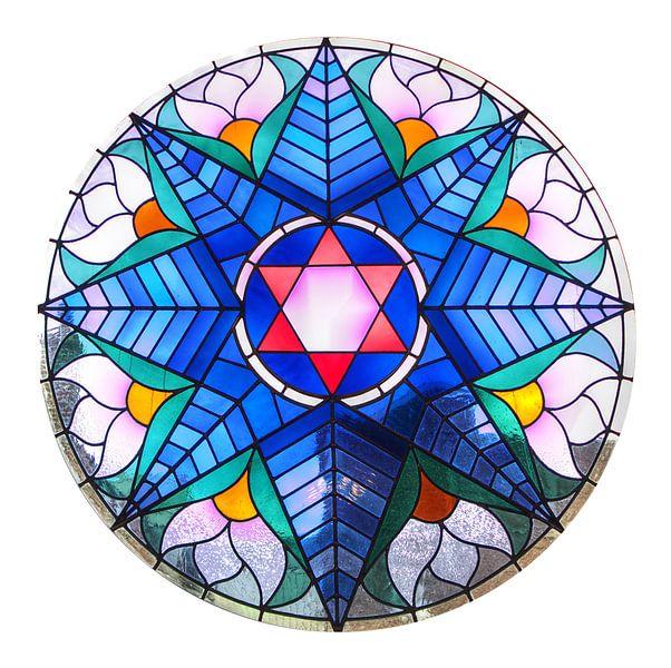 Glas-in-lood raam Alkmaarse synagoge van Mike Bing