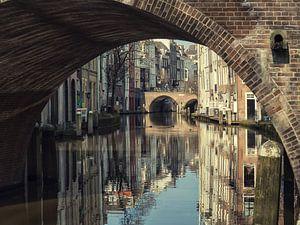 Blik onder de Gaardbrug richting de Maartensbrug  van