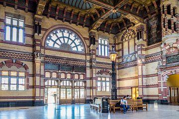 Station Groningen, Stationshal (kleur) van Klaske Kuperus