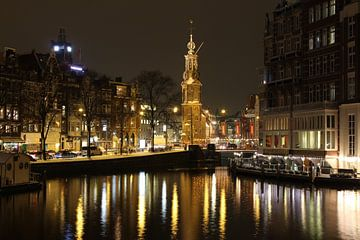 Amsterdam bij Nacht met Westertoren van Paul Franke