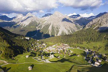 Luftbildaufnahme von Arosa in der Schweiz von Werner Dieterich