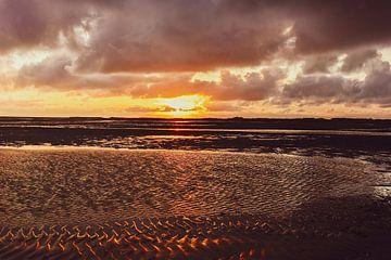 ondergaande zon op Terschelling van Arie Jan van Termeij
