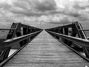 Ein Steg bis zum Horizont von Mathias Möller