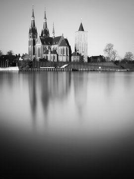St-Martinuskerk Cuijk #7 (zwart wit) van Lex Schulte